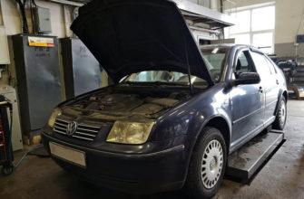 В машине горит значок двигателя: причины и ремонт 🦈